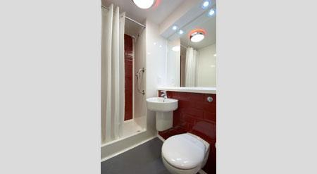 Hull Central - Family  Bathroom