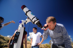 Ursin and colleagues calibrating optical instrumentation in Tenerife, Canary Islands