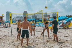People playing CROSSFIT in Miami​