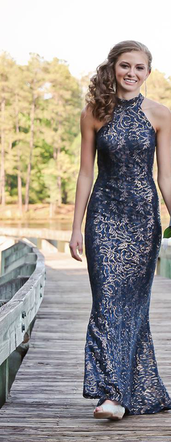 Photo of Lauren Emily Pearson wearing a formal dress [5]​