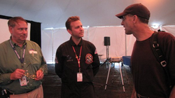 With                               NASA Ames                              ​ Director                               Pete Worden                              ​ and                               NASA astronaut                              ​                               Don Pettit                              ​