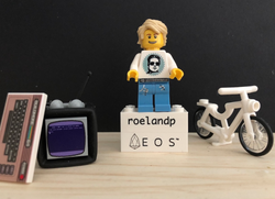 Photo shared by RoelandP Lanparty as a lego.