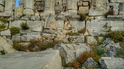 Hardine temple foundations (credit Lebanon Untravelled)
