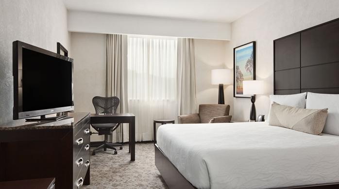 1 King Bed Evolution Room