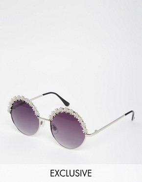 AJ Morgan Exclusive Round Sunglasses with Metal Flowers