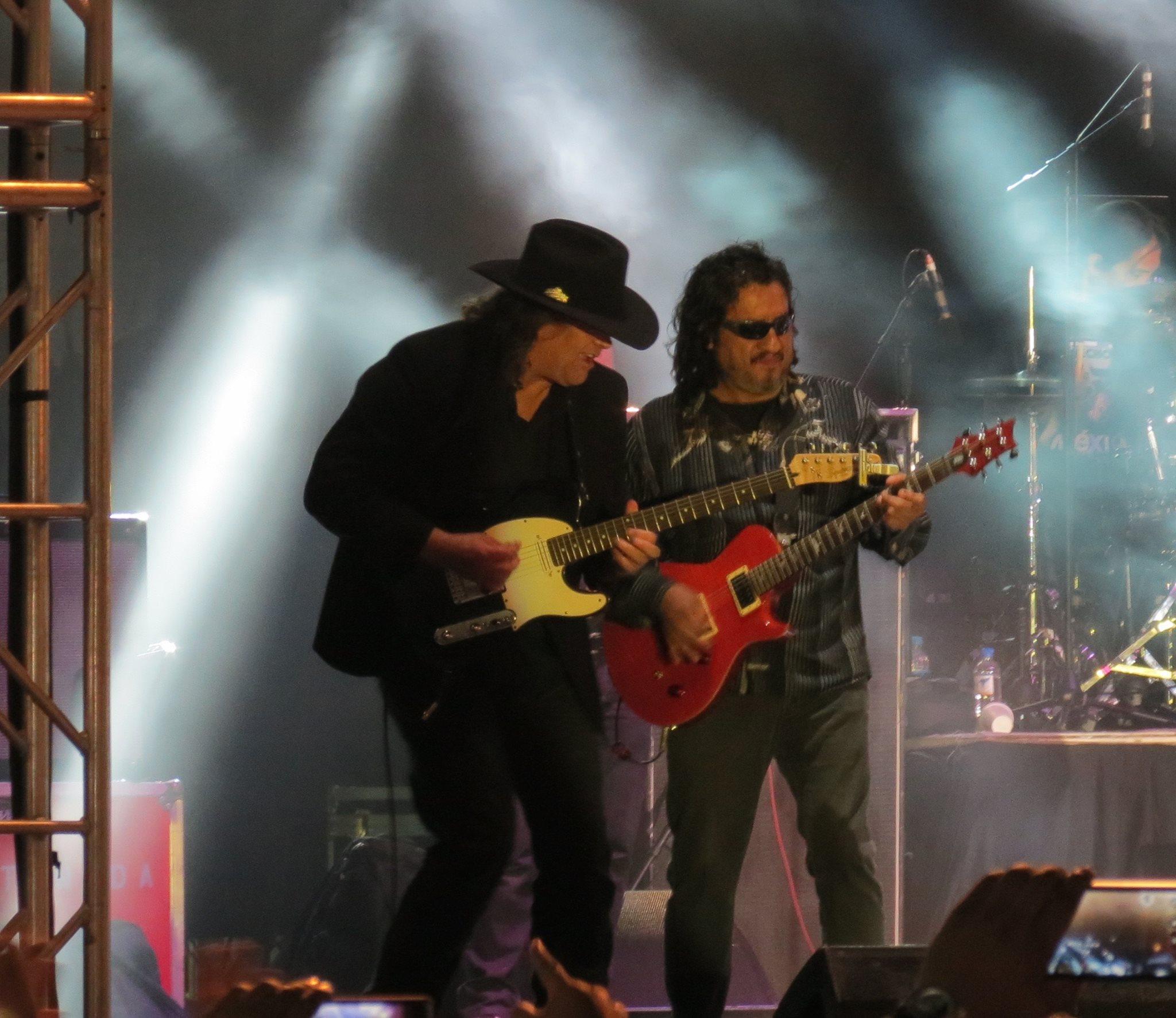Brian Flynn y Oscar Zarate (Member of El Tri de México)