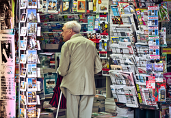 International newspapers on sale in                                 Paris                                , France