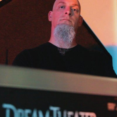 Scott Berry as Jordan Rudess