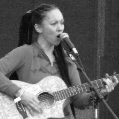Xylie singing