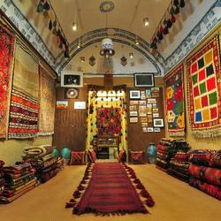 Silk Road Gallery / interior