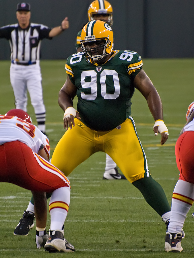 Raji against the Kansas City Chiefs in 2011
