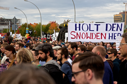 Protesters rally in Berlin to support Snowden, August 30, 2014