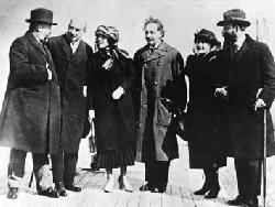 Albert Einstein with his wife Elsa Einstein and Zionist leaders, including future President of Israel Chaim Weizmann, his wife Vera Weizmann, Menahem Ussishkin, and Ben-Zion Mossinson on arrival in New York City in 1921