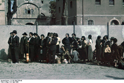Deportation of Roma from Asperg, Germany, 1940 (photograph by the Rassenhygienische Forschungsstelle)