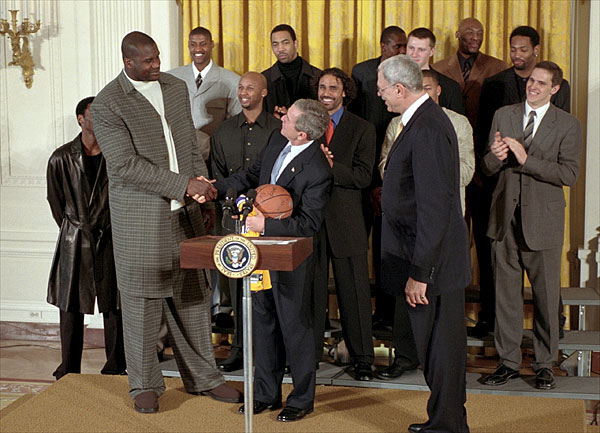 O'Neal at the White House greeting President Bush with his fellow Lakers
