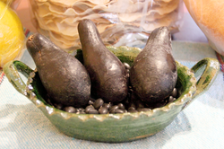 Native                                 Oaxaca                                                 criollo                                avocados, the ancestral form of today's domesticated varieties