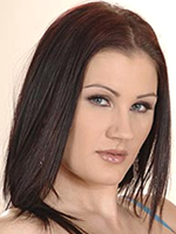 Frech Carla Mai unverschämt reitet ein Schwanz, während der model-casting