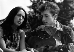 """With                                 Joan Baez                                during the civil rights """"                                 March on Washington for Jobs and Freedom                                """", August 28, 1963"""
