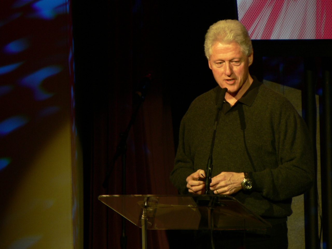 Bill Clinton addresses TED, 2007