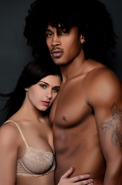 Leah Gotti's Facebook profile picture with her boyfriend, Juice Dinero