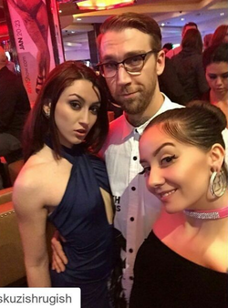 Photo of Mandy and friends at the AVN Adult Entertainment Expo [8]