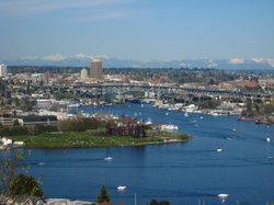 A view of campus and Gas Works Park from George Washington Memorial Bridge in 2008