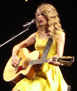 Swift performing in Los Angeles during the Fearless Tour in 2010