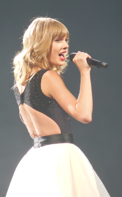 Swift performing in St. Louis during the The Red Tour