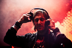 Guetta on the One Love Tour, March 2010.