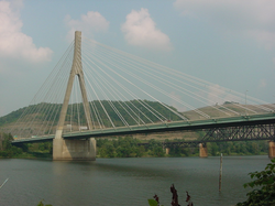 The Veterans Memorial Bridge carries US 22 between Weirton and Steubenville, Ohio. It is similar in design to the new bridge connecting Proctorville, Ohio (Ohio Rt 7) with Huntington, West Virginia via US 60.