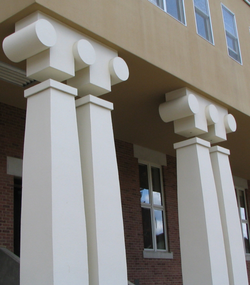 Charles Moore's Ironic Columns, Williams College Museum of Art
