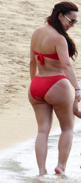 Crhis bosh wife ass