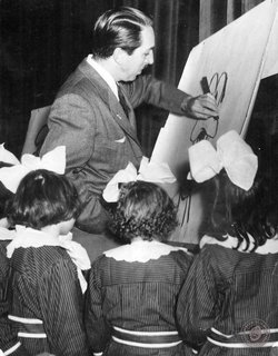 Disney drawing Goofy for a group of girls in Argentina, 1941