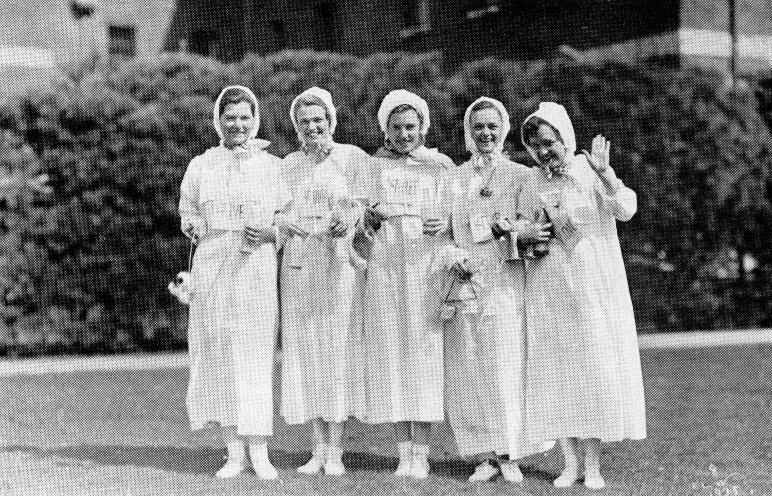 Vassar students celebrating Founder's Day in 1935