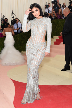 Kylie donning a customBalmaindressbyOlivier Rousteingat the 2016 Met Gala