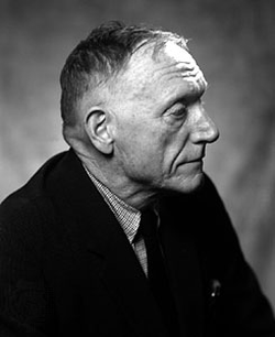 Robert Penn Warren                                , M.A. 1927 – novelist and poet, who received the Pulitzer Prize three times