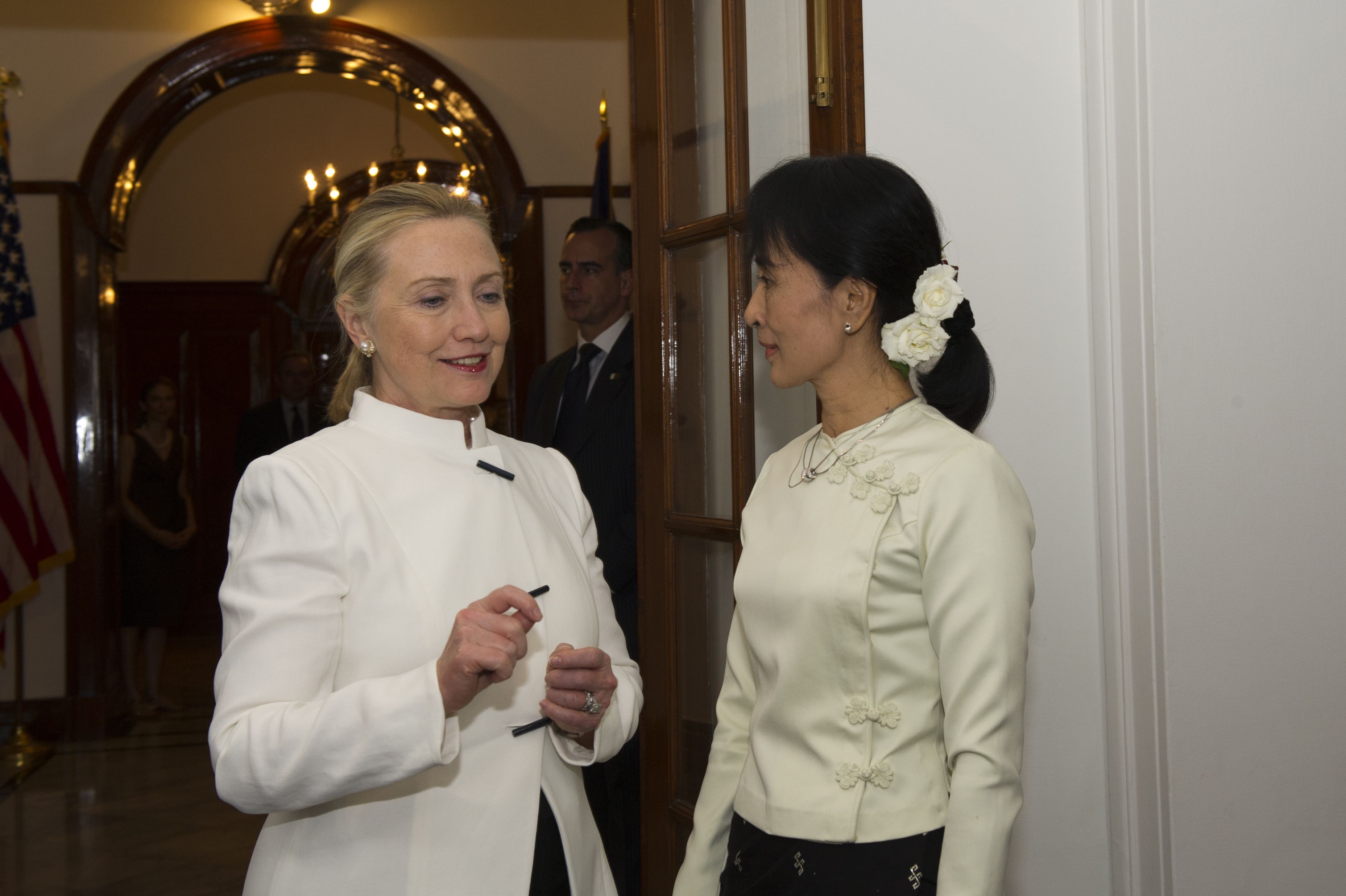Secretary Clinton meeting with Burmese democracy leader Aung San Suu Kyi as part of her historic December 2011 visit to that country