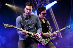 Zacky Vengeance and Synyster Gates live in Norway in 2011