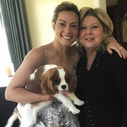 Photo Lisa Boothe with her mother and her dog Bella Bean[6]