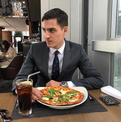 Van Meer enjoying some pizza